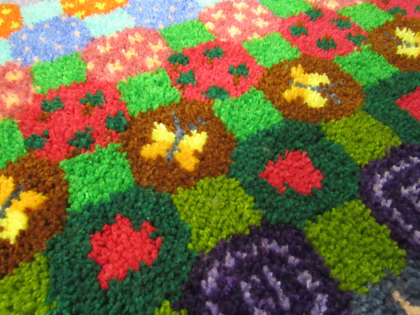 The Patchwork Garden Latch Hook Rug Kit